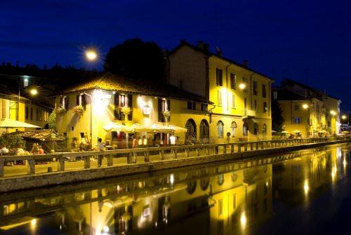 Walk along the canals of Navigli