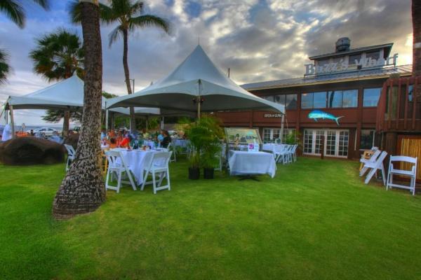 Best Restaurants on Maui Buzz's Wharf