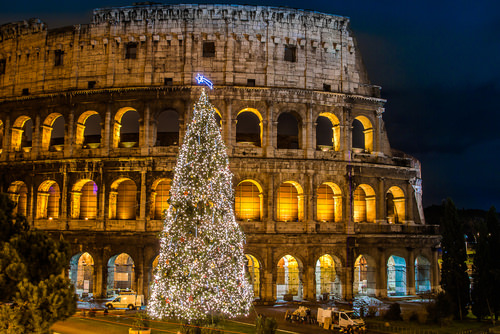 10 Amazing Christmas Traditions around the World