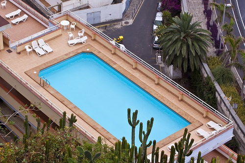Best Rooftop Pools around the World