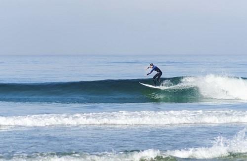 Surfing in Black Beach San Diego California