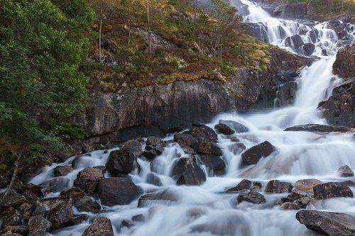 Langfoss falls