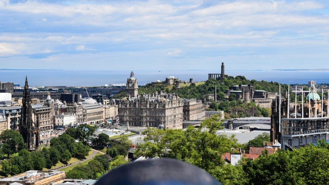 8 Awesome Destinations for Food Lovers - Edinburgh, Scotland