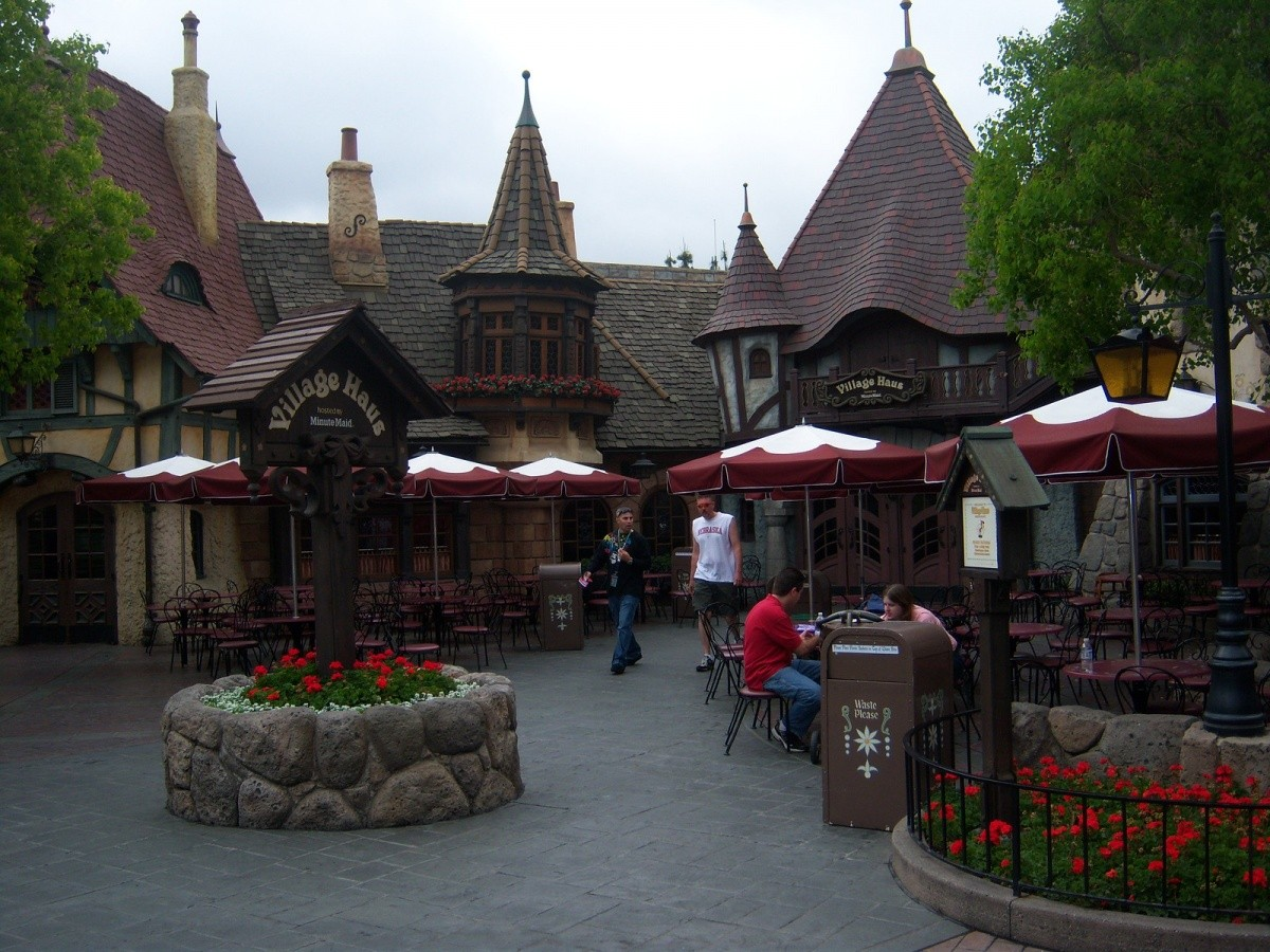 Create a Memorable Vacation at Disneyland Wonderful Restaurants