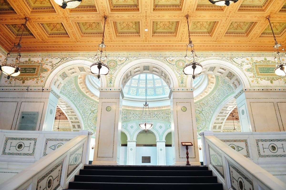 How to Explore Chicago for Free - Chicago Cultural Center
